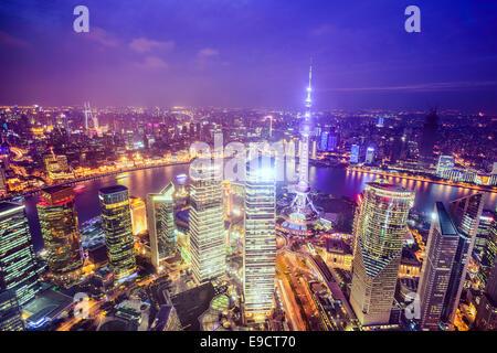 Shanghai, Chine Ville vue sur le Quartier Financier de Pudong. Banque D'Images