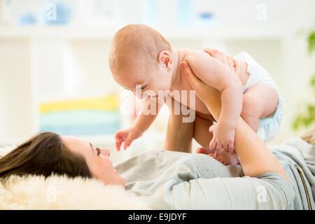 Mère avec bébé Banque D'Images
