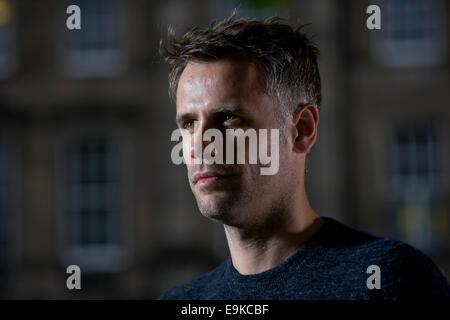 Présentateur de télévision et de radio britannique Richard Bacon apparaît au Edinburgh International Book Festival. Banque D'Images