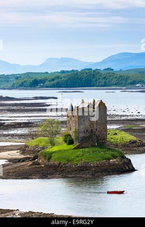 Château de Stalker sur le Loch Linnhe, 14e siècle la forteresse des Highlands de clan MacDougall à Appin, Argyll Banque D'Images