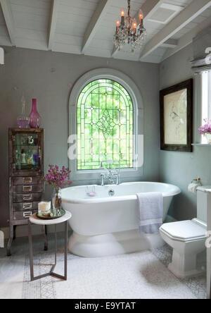 Salle de bains et baignoire Banque D'Images