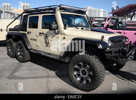 Las Vegas, Nevada, USA. 4 novembre, 2014. Le Long Ranger 4x6 Jeep sur l'affichage pendant la première journée de la SEMA Show 2014 à Las Vegas.Photo par Gene Blevins/LA DAILY NEWS/ZumaPress Crédit: Gene Blevins/ZUMA/Alamy Fil Live News