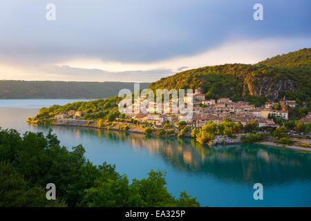 Bauduen Village, Lac de Sainte-Croix, Gorges du Verdon, France, Europe Banque D'Images