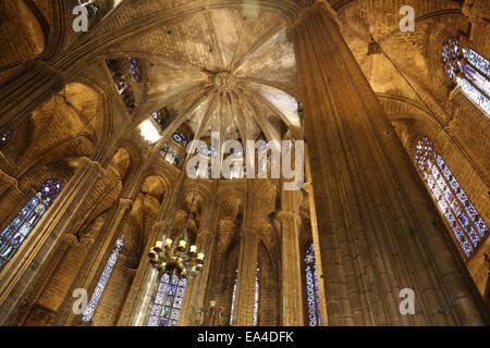 L'Espagne. La Catalogne. La Cathédrale de Barcelone. À l'intérieur. Abside. 13e siècle. Banque D'Images