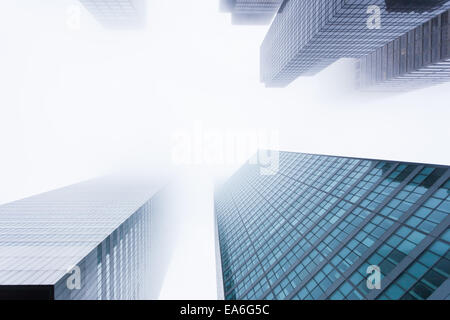 USA, New York State, New York, Manhattan, View of skyscrapers in mist Banque D'Images