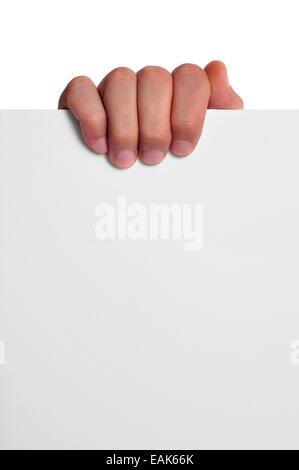 La main d'un homme tenant une pancarte blanche avec une copie-space Banque D'Images