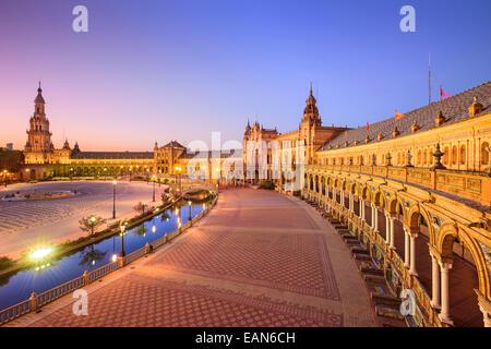 Séville, Espagne à Place d'Espagne (Plaza de España). Banque D'Images
