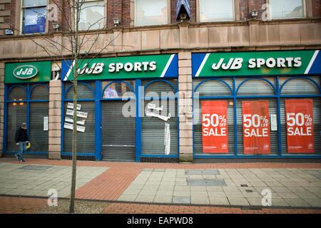 Donegall Place, Belfast, Royaume-Uni 19 novembre 2014. JJB sports fermée après aller dans l'Administration. il a Banque D'Images