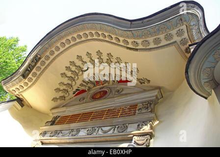 Close-up détails façade d'un vieux bâtiment traditionnel ottoman à Istanbul, Turquie Banque D'Images