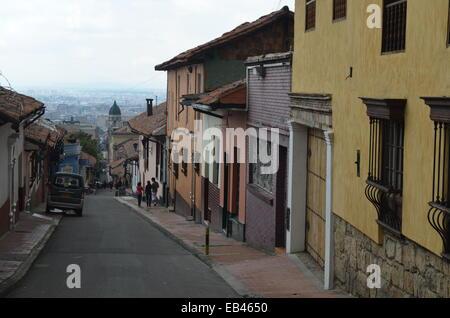 Ses rues colorées du quartier colonial de La Candelaria de Bogota, Colombie Banque D'Images