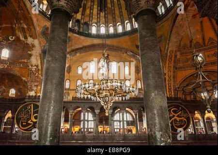 Sainte-sophie, vue de l'intérieur, Istanbul, Turquie Banque D'Images