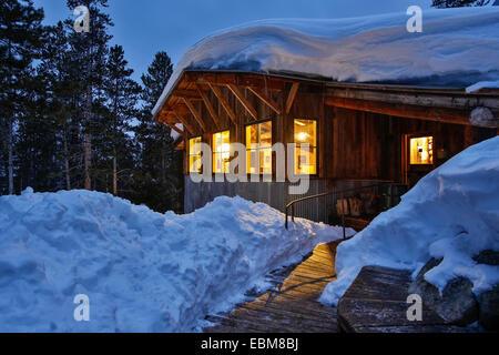 Fritz couverte de neige Hut, Benoît Huts, près de Aspen, Colorado USA Banque D'Images
