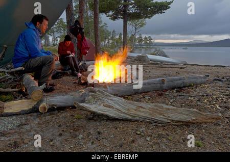 Lors de Isteren lakefront, Norvège, Hedmark Fylke, Naturreservat Isteren Banque D'Images