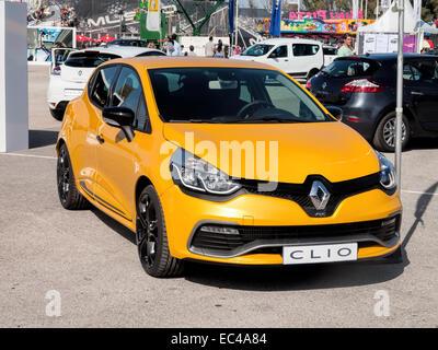 Renault Clio RS sur l'affichage à une exposition Renaultl à Jerez, Espagne Banque D'Images