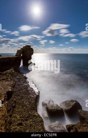 Pulpit Rock sur l'Île de Portland la nuit, Dorset, Angleterre, Royaume-Uni, Europe. Banque D'Images