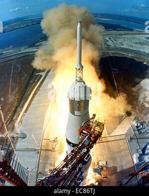 Photographie de la mission Apollo 11 lancée par une fusée Saturn V du Centre spatial Kennedy en Floride, Merritt Banque D'Images