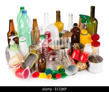 Les déchets réutilisables. Metal distincts, plastique et verre Banque D'Images