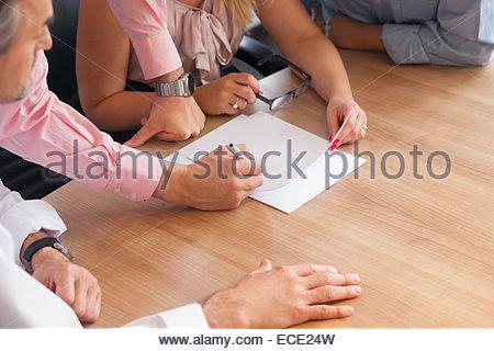 Concept de coopération de l'équipe du bureau de travail d'écriture Banque D'Images