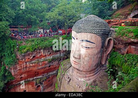 Le Grand Bouddha de Leshan, la plus grande statue du Bouddha sculptées en pierre dans le monde de la dynastie Tang, province du Sichuan, Chine