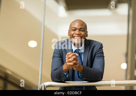 Cheerful young afro-américain business man Banque D'Images