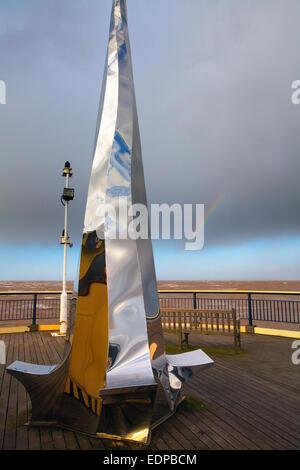Southport, Merseyside, Royaume-Uni. 8 janvier, 2015. Météo France: réflexions en 'Vortex' haut opinted la sculpture, Banque D'Images
