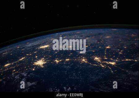 Les lumières de la ville, sur la côte du golfe du Mexique, vu de la Station spatiale internationale, 225 miles au Banque D'Images
