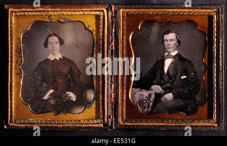 Portrait de couple, l'homme et la femme dans des fenêtres séparées, daguerréotype, vers 1850 Banque D'Images