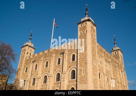 Tour blanche à la Tour de Londres sous le soleil d'hivers jour,ANGLETERRE Banque D'Images
