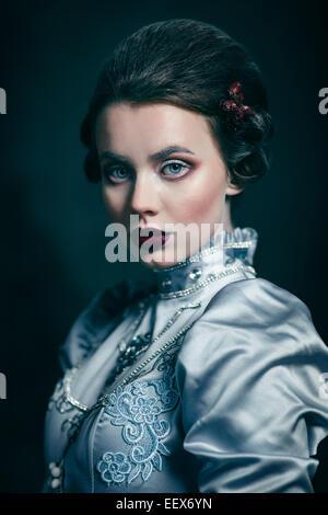 Femme en robe victorienne Banque D'Images