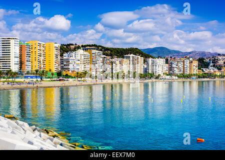 Malaga, Espagne beachfront skyline at Playa de la Malagueta. Banque D'Images
