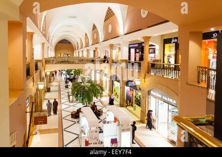 Intérieur de l'Al Kout Mall à Kuwait, Koweït Banque D'Images