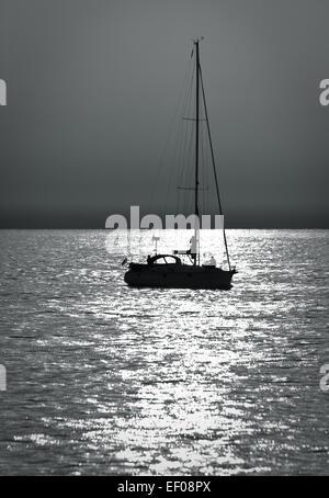 Un bateau à voile sur la mer Baltique.