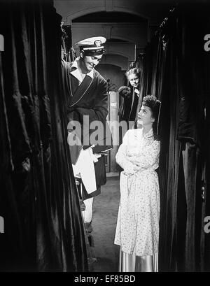 DANA ANDREWS, ANNE BAXTER, CRASH DIVE, 1943