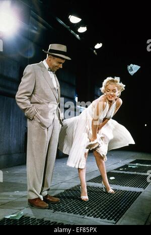 TOM EWELL, MARILYN MONROE, LES SEPT ANS DÉMANGENT, 1955 Banque D'Images