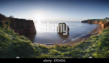 Ladram Bay au lever du soleil d'hiver. La Côte Jurassique, site du patrimoine mondial. Devon. UK. Banque D'Images