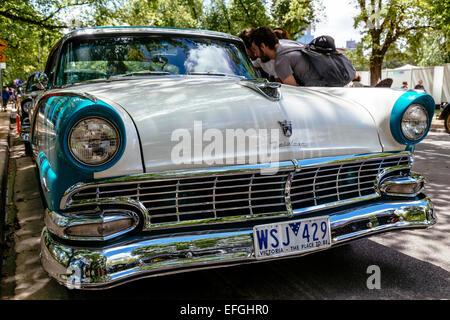 Voitures classiques à l'écran, l'Australie et de pique-nique Journée RACV Russie affichage du véhicule, Kings Domain, Banque D'Images