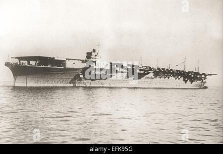 Le Zuikaku, l'un des 2 porte-avions de classe Shokaku construit pour la Marine impériale japonaise terminée en 1941 Banque D'Images