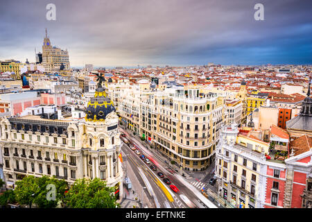 Madrid, Espagne au-dessus de la ville la rue commerçante Gran Via.