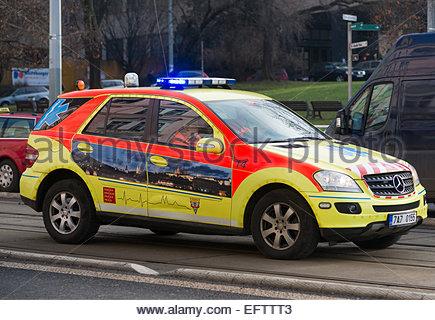 République Tchèque - Prague Personne n Clignotement des feux bleus d'Ambulance Banque D'Images