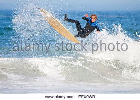 Surfer, l'air, tomber de surf Banque D'Images