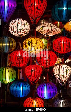 Lanternes de soie traditionnelle, Hoi An, Vietnam.