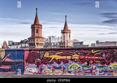 Mur de Berlin . East Side Gallery, Oberbaumbruecke, Berlin, Allemagne Banque D'Images