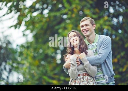 Les dépenses en loisirs dates romantique park Banque D'Images