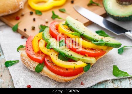Sandwich à l'avocat Banque D'Images
