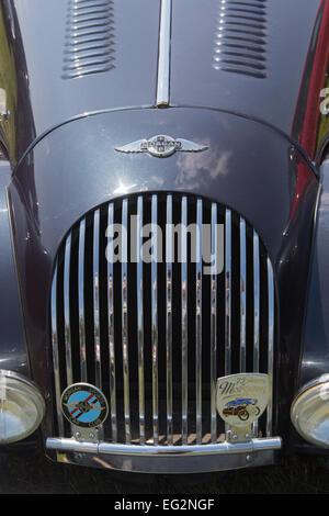 En close-up et dans un état impeccable, un classique noir Morgan sports voiture est garée et exposées au grand show Banque D'Images