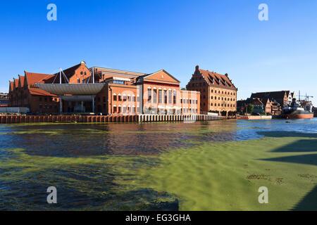 Les bâtiments de l'hôtel Krolewski et l'Orchestre Philharmonique Baltique polonaise à l'emplacement d'une ancienne Banque D'Images