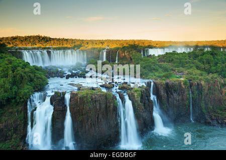 Le Brésil, l'État de Parana, Iguassu Falls National Park (Cataratas do Iguaçu) (UNESCO Site) Banque D'Images