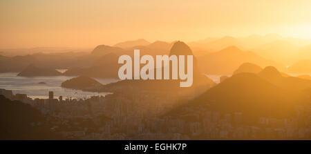 Afficher du Chinois Vista à l'aube, Rio de Janeiro, Brésil Banque D'Images