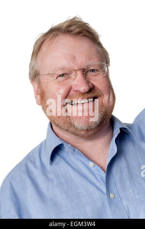 Portrait of smiling barbu d'âge moyen de l'embonpoint homme portant lunettes, isolated on white Banque D'Images