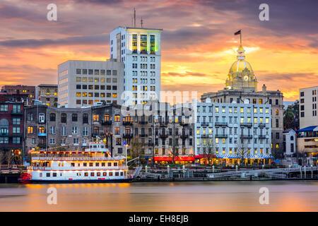 Savannah, Georgia, USA riverfront skyline. Banque D'Images